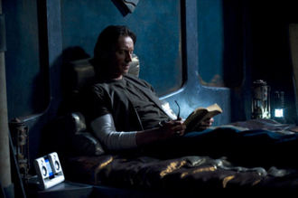 Stargate_Universe_Carlyle_rush_bed.jpg