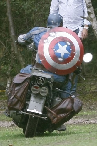 captain-america-set-photo-02.jpg