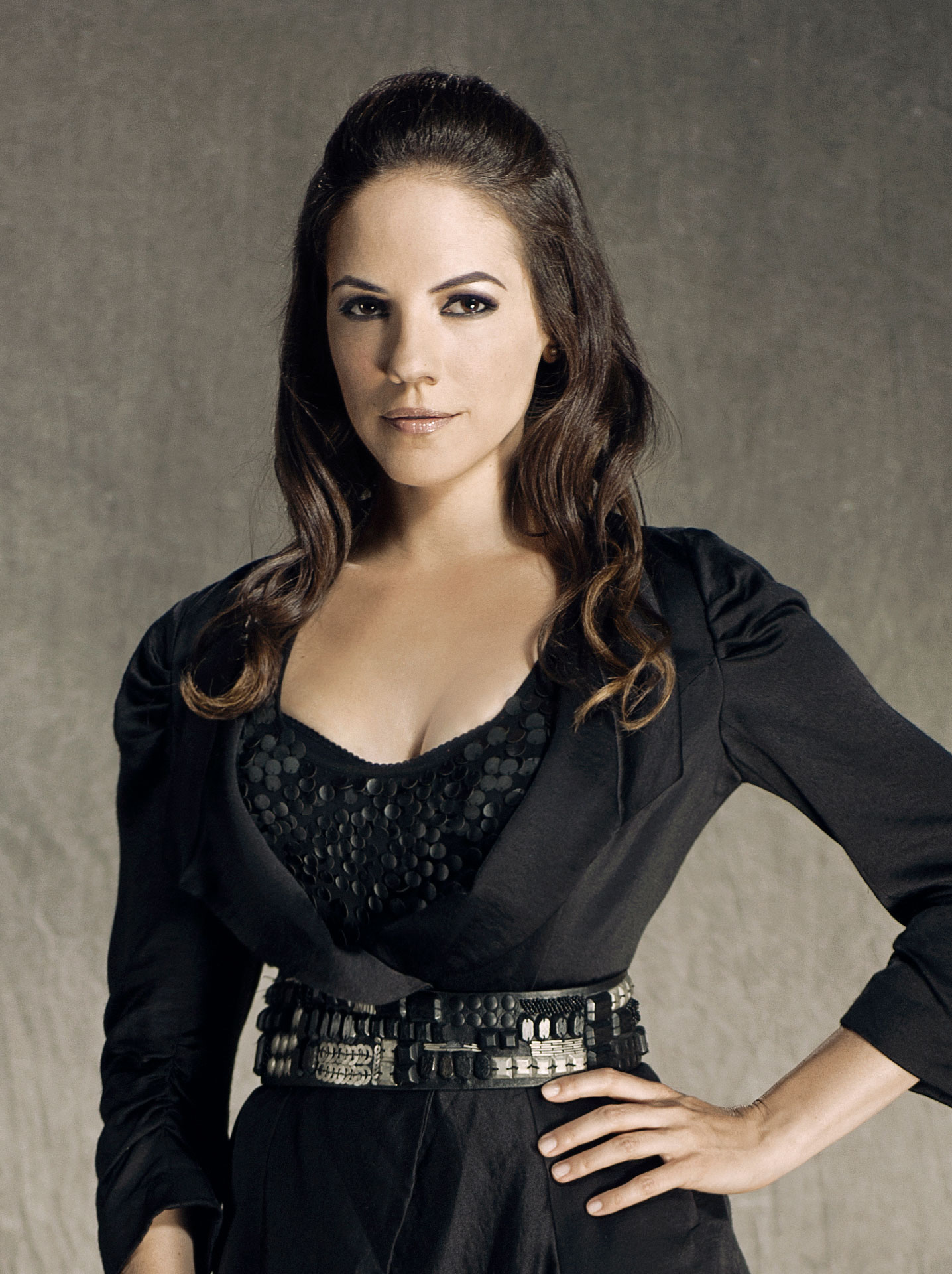 Anna Silk (Bo) – Cast | Lost Girl | SYFY WIRE