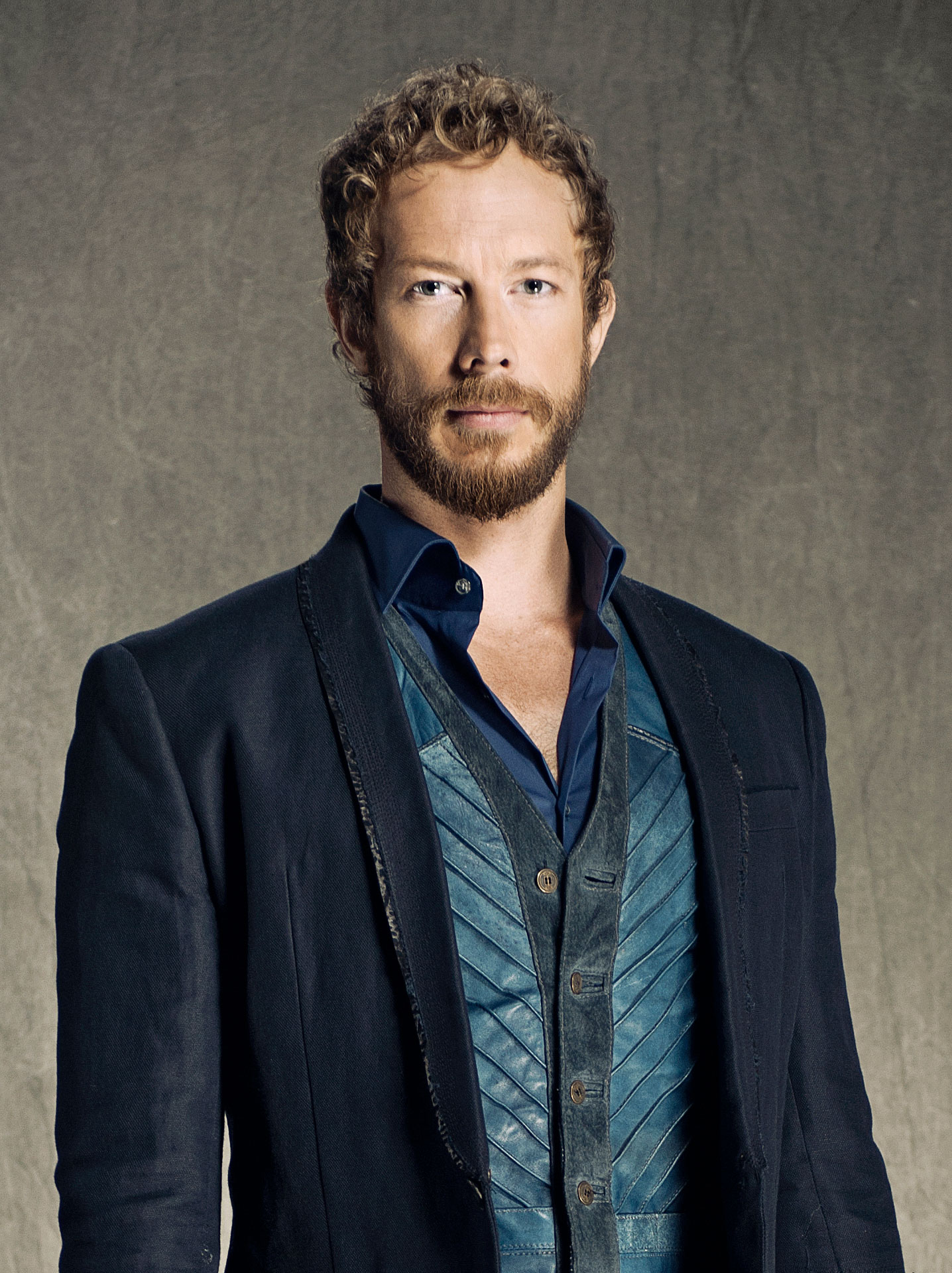 Kris Holden-Ried (Dyson) – Cast | Lost Girl | SYFY WIRELost Girl Dyson Actor