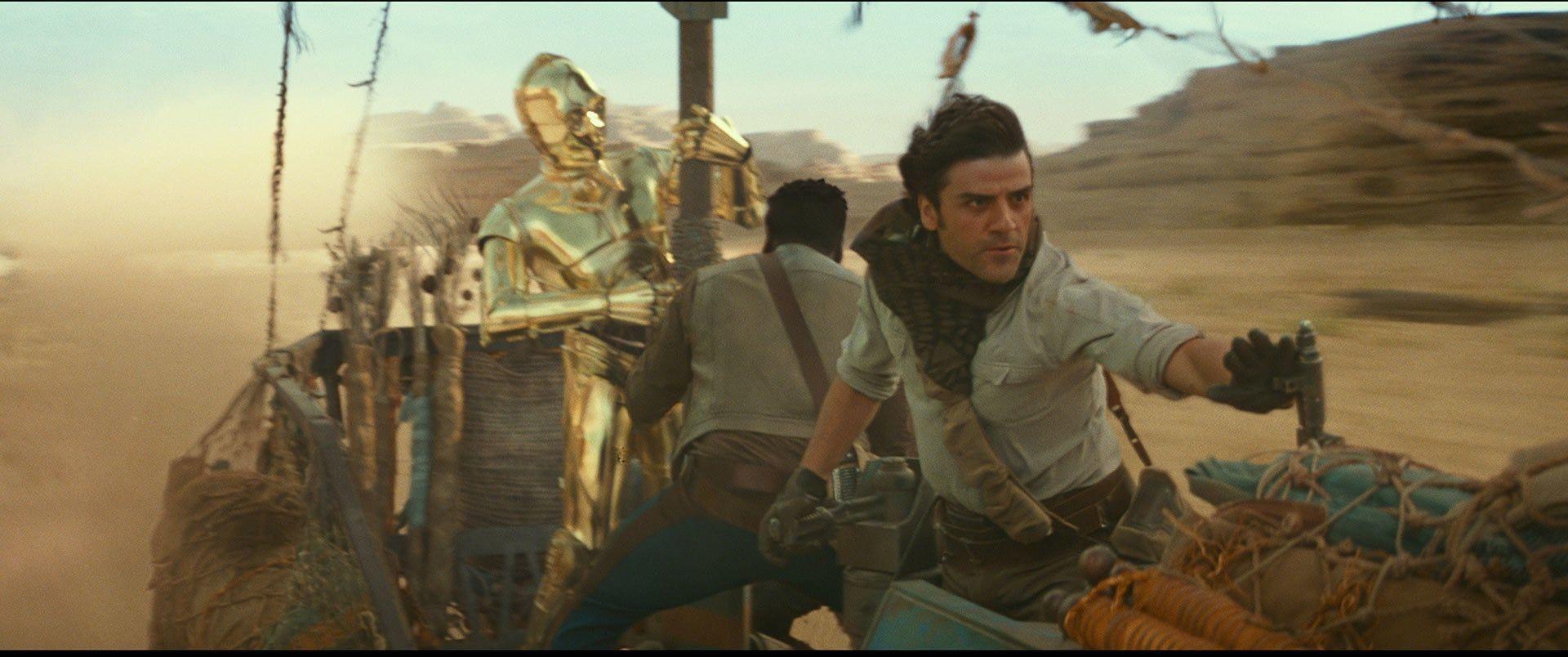 Look of the Week: Poe's infinity scarf in Star Wars: The Rise of Skywalker