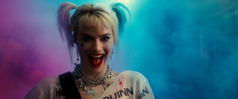 Birds Of Prey Filmmakers Say Unreliable Narrator Harley Quinn Sets The Tone It S Not Bruce Wayne S Gotham
