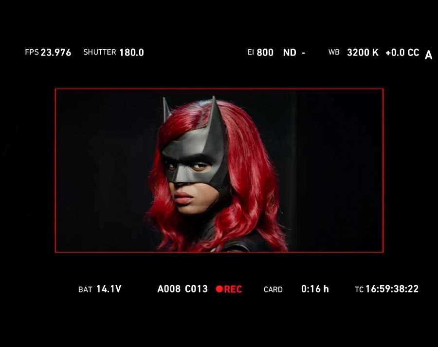 First look at new Batwoman Javicia Leslie in the old Batwoman's outfit