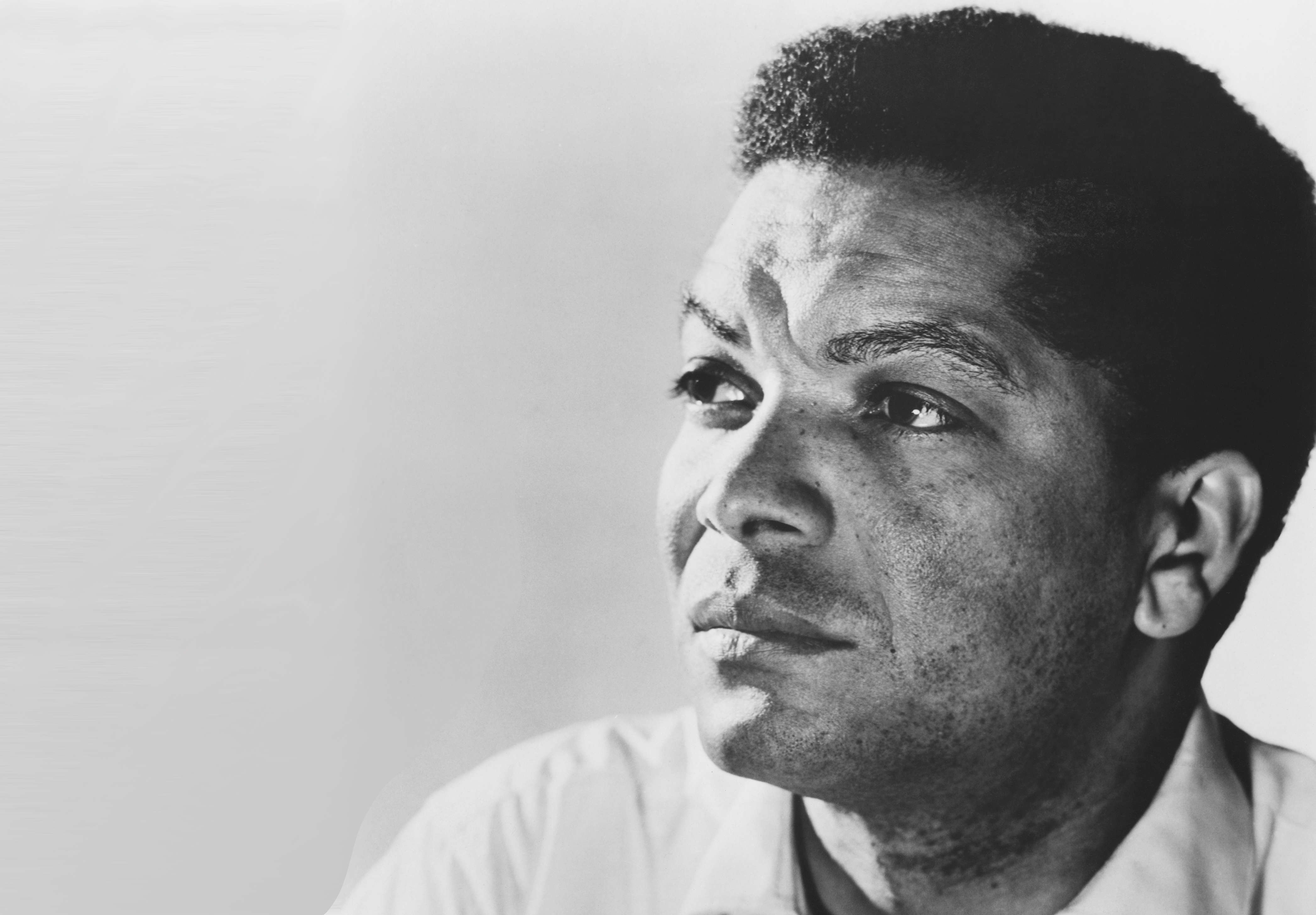 Earl Cameron, pioneering British actor with Doctor Who and 007 roles, dies at 102