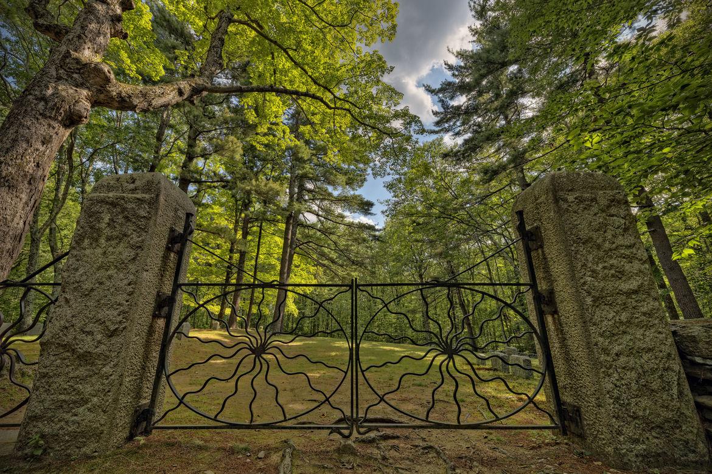 Spider Gates Cemetery