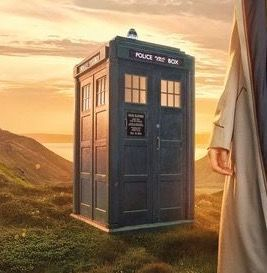 13-Doctor-TARDIS