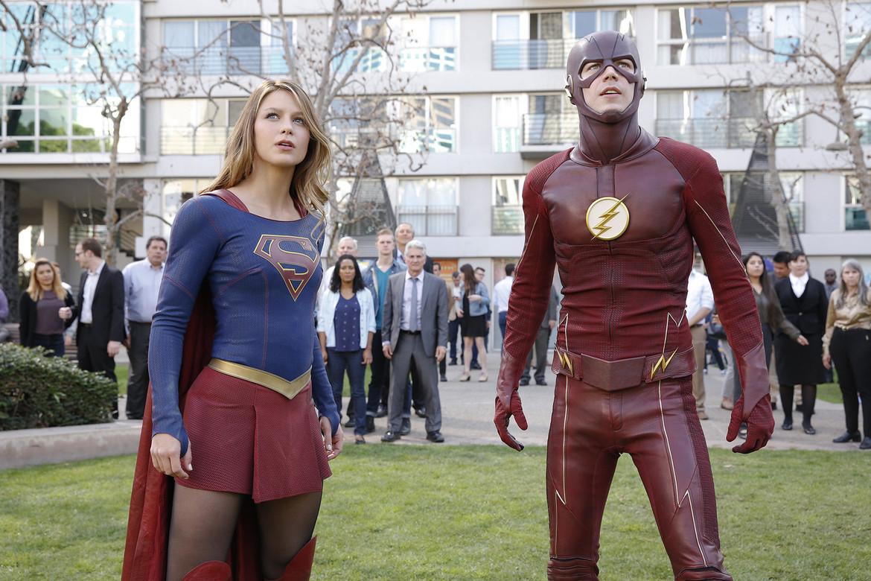 160620-news-the-flash-supergirl.jpg