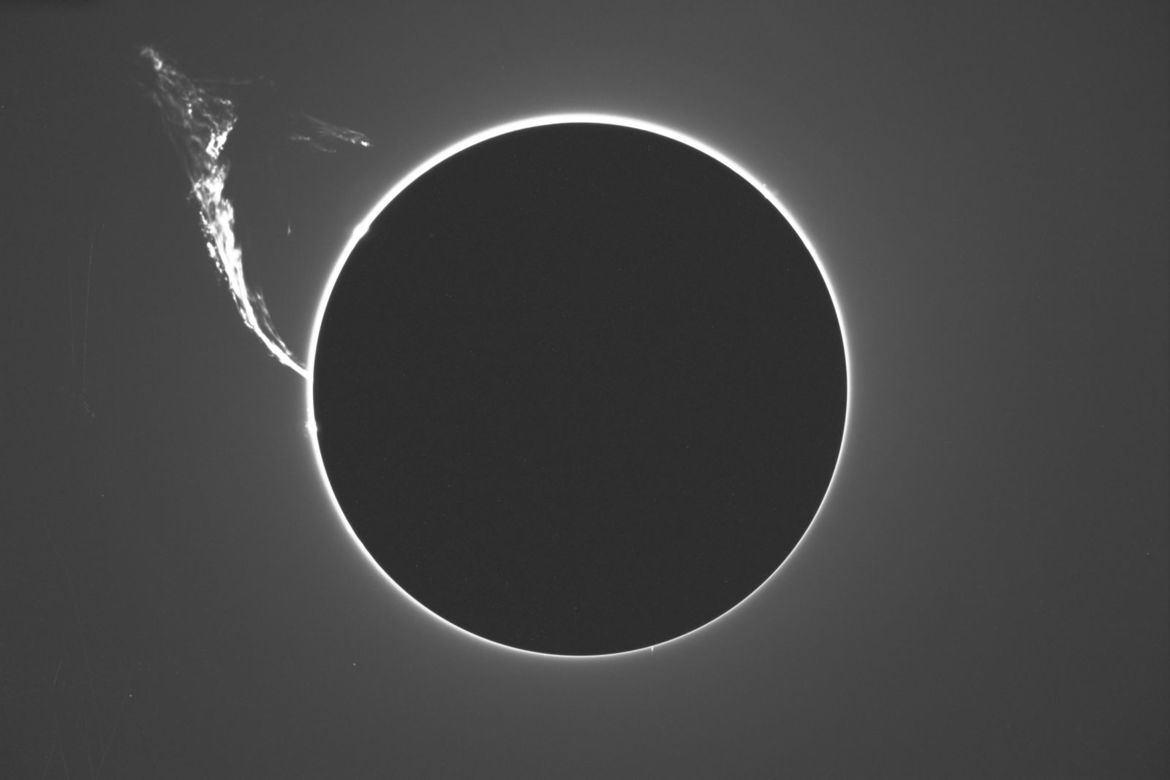 In 1992, the Sun erupted, blasting off a towering prominence of gas that stretched for nearly 600,000 kilometers. Credit: NAOJ / Hideaki Miyazaki