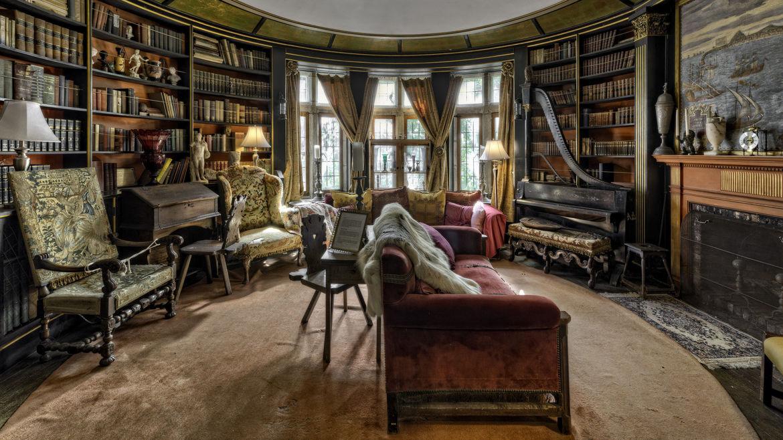"The ""Whisper"" Room at Hammond Castle"