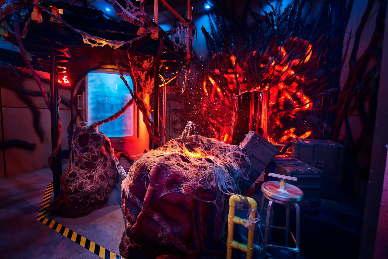 3_First Look Inside Stranger Things maze at HHN 2018