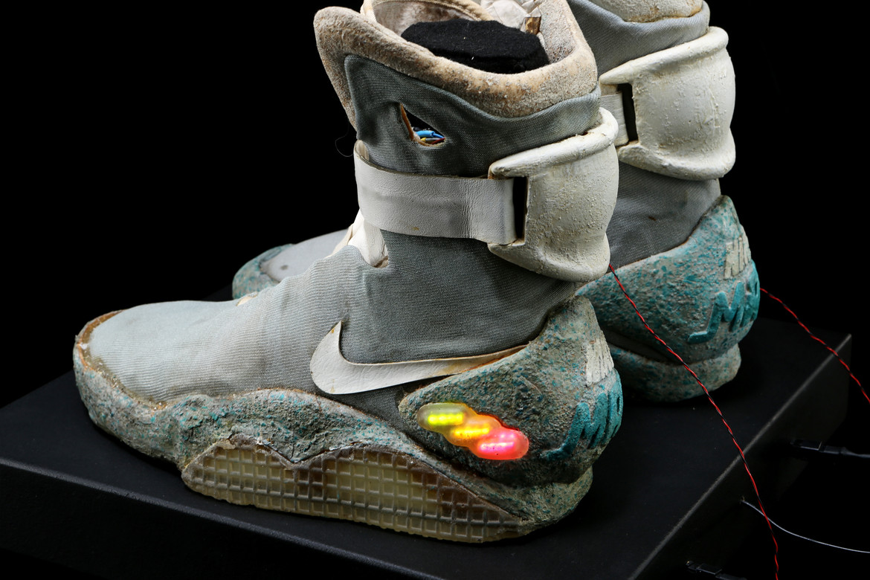 72636_Marty McFly's Michael J. Fox Light-up 2015 Nike Shoes_13.jpg
