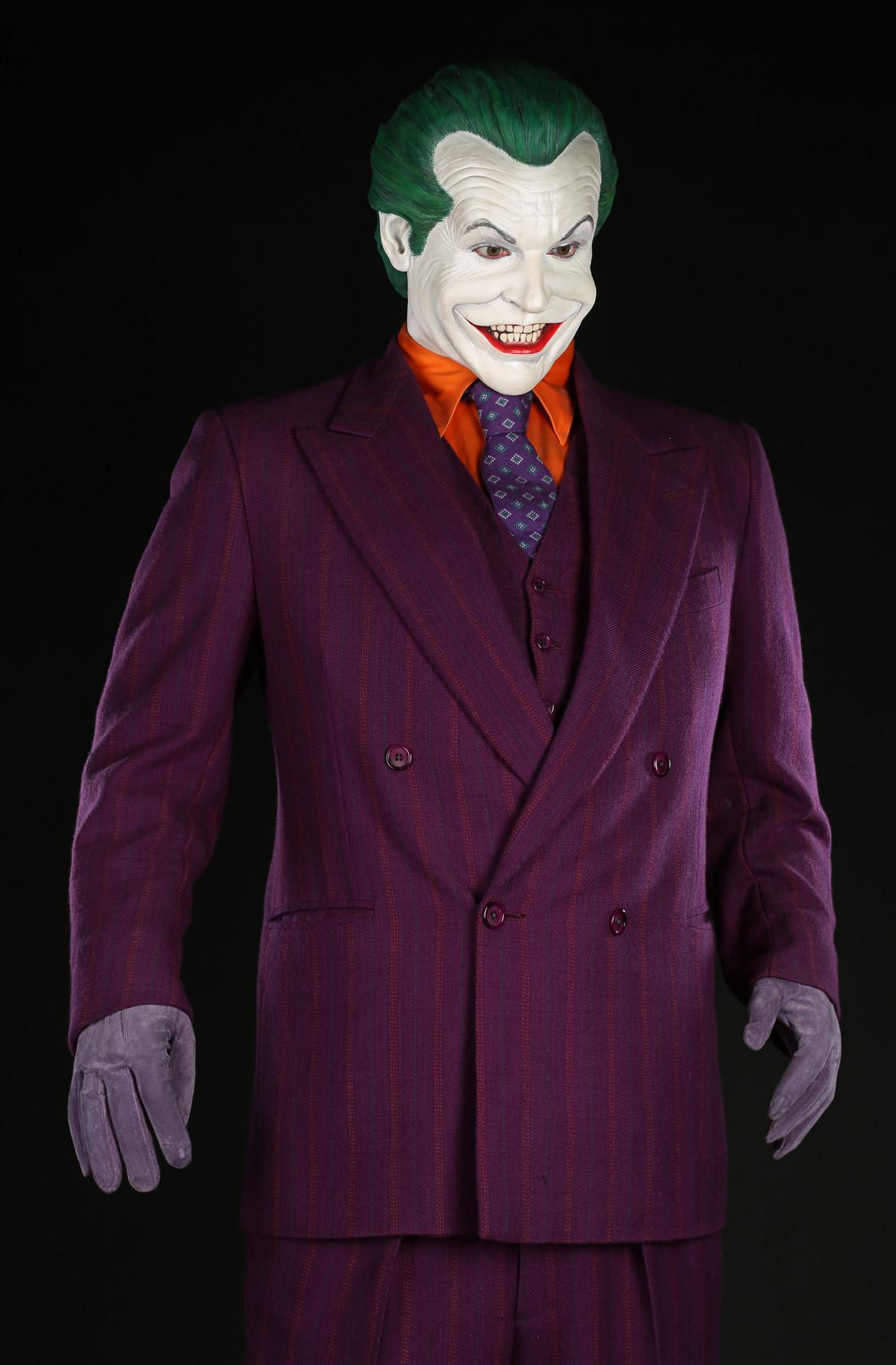 72682_The Joker's (Jack Nicholson) Costume (2).JPG