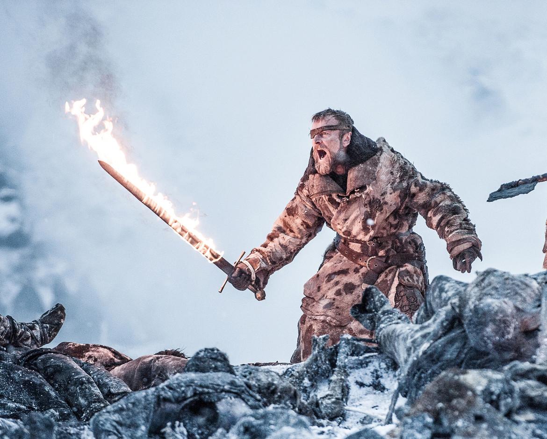 Beric-Flaming-Sword-Game-of-Thrones-706.jpg