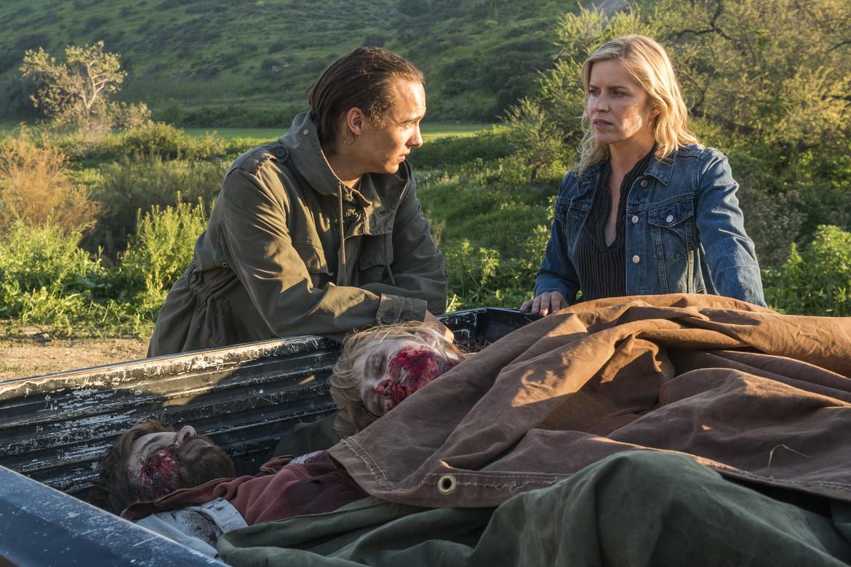 """Fear The Walking Dead - """"Red Dirt"""""""