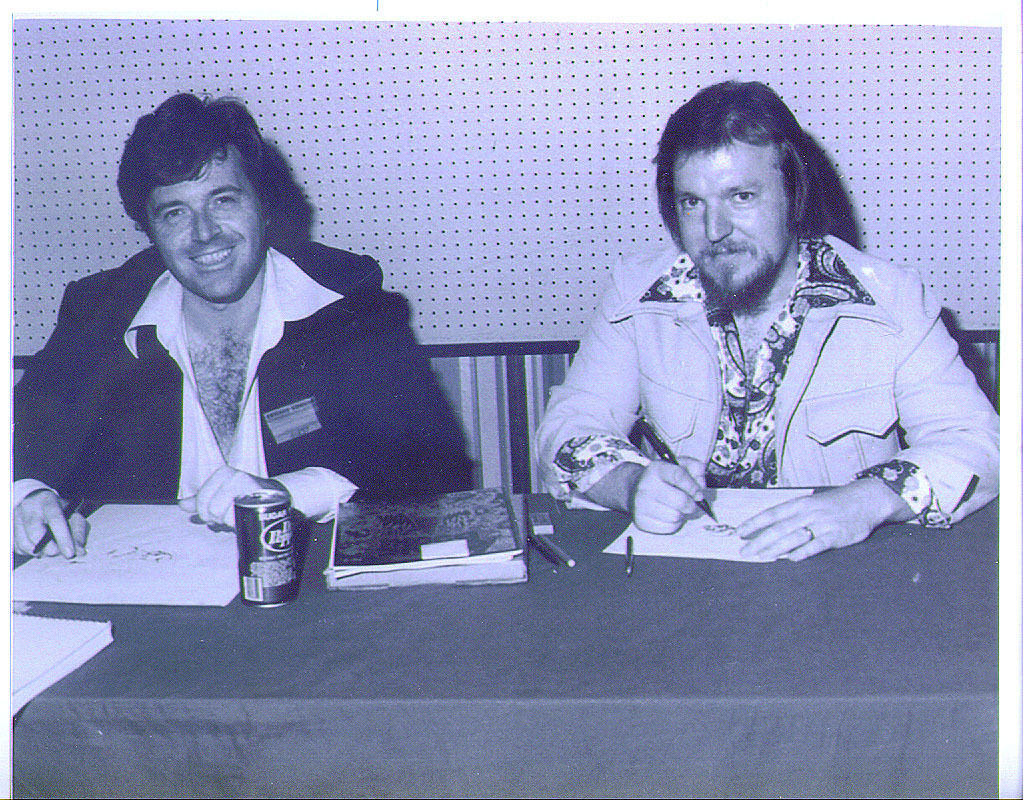Neal Adams and Mike Grell at the Chicago Comic-Con in 1977
