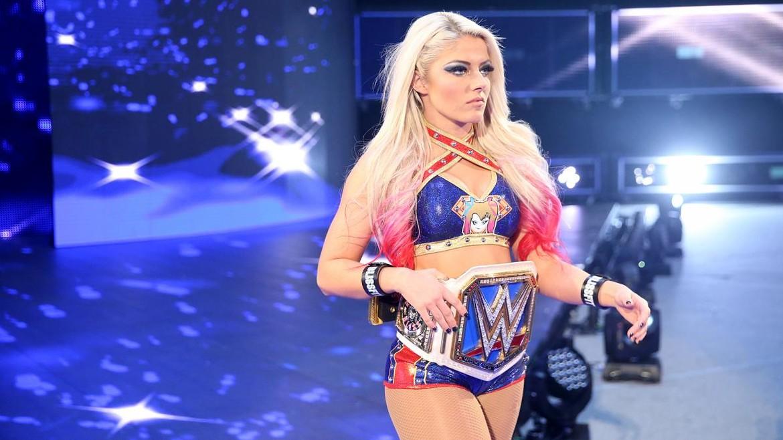 alexa-bliss-supergirl-wrestlemania.jpg