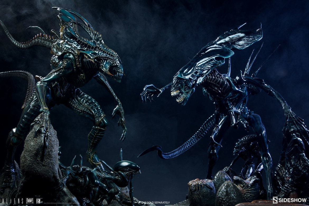 Sideshow Alien King and Alien Queen maquettes