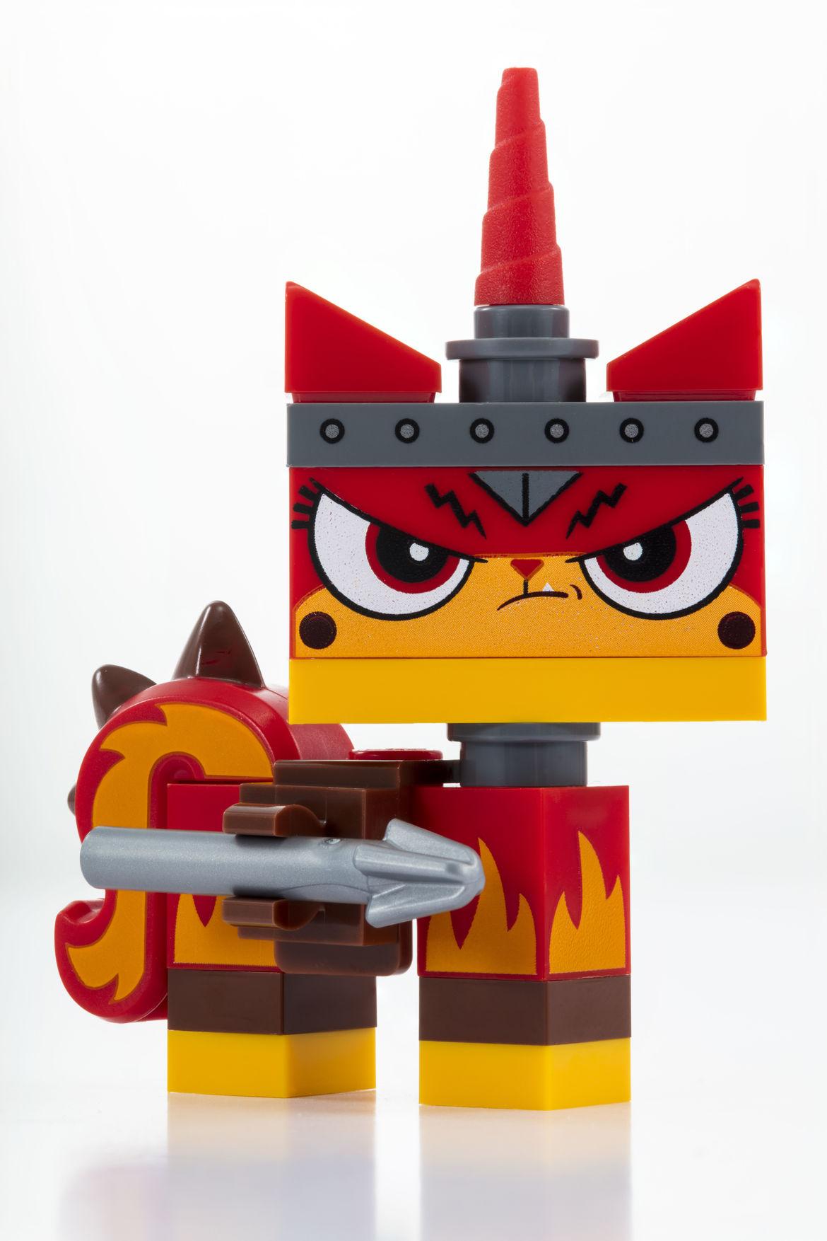 Apocalypseburg Unikitty_LEGO_SDCC_2018_Apocalypseburg_Unikitty_Angry (2)