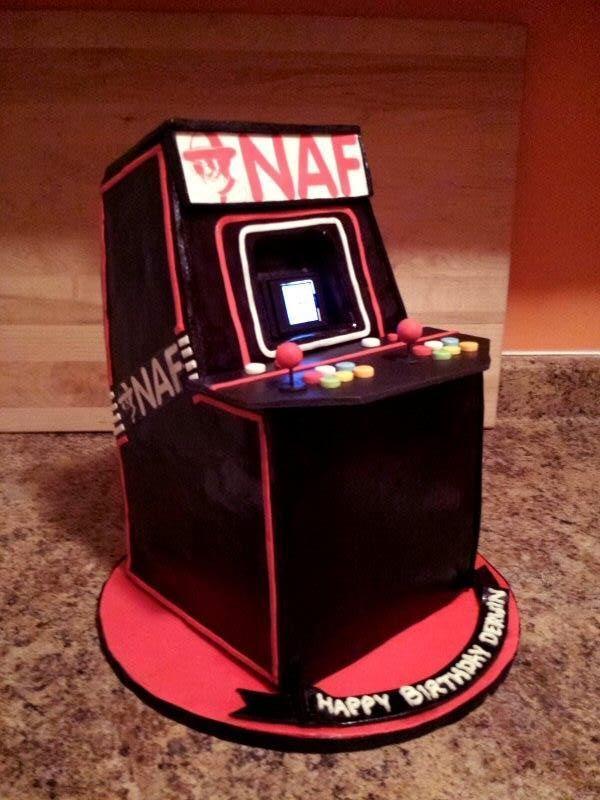 arcade machine cake Marj Santaromana
