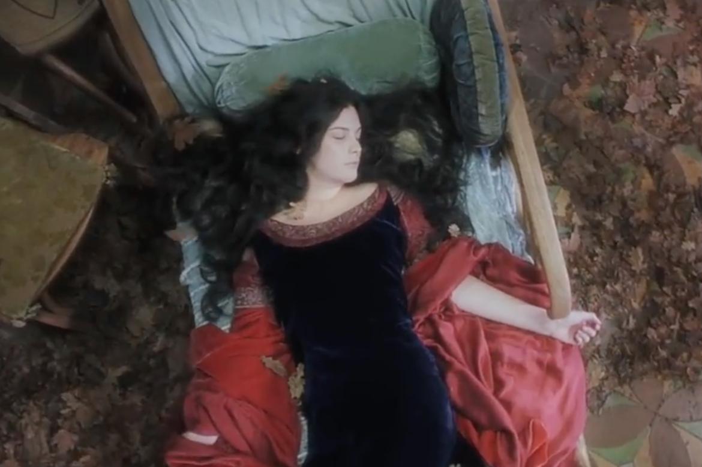 arwen_dying_lotr.png