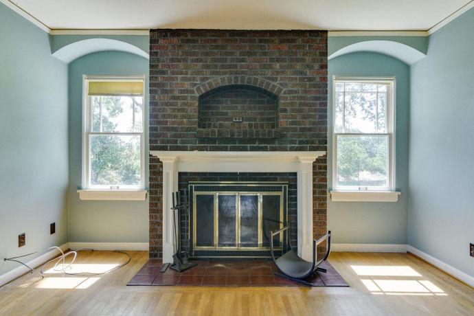 Bella Swan House fireplace