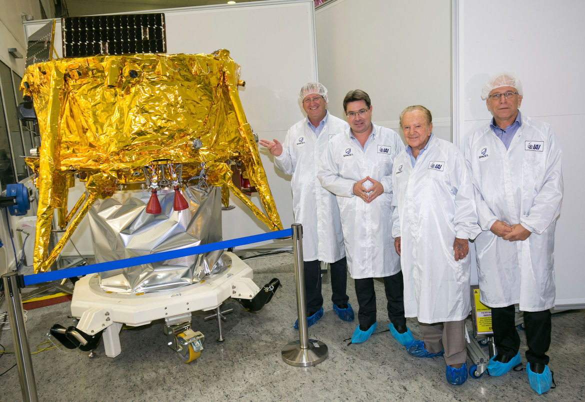 SpaceIL administrators and Israel's Minister of Science, Technology and Space, Ofir Akunis, visit the Beresheet lander before it was shipped to Florida for launch. Credit: SpaceIL