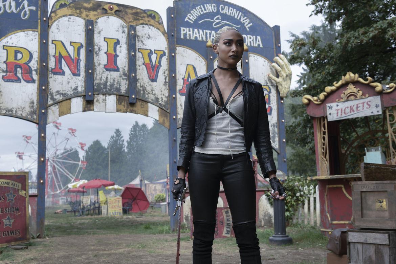 Prudence, usando un body harness post apocalíptico
