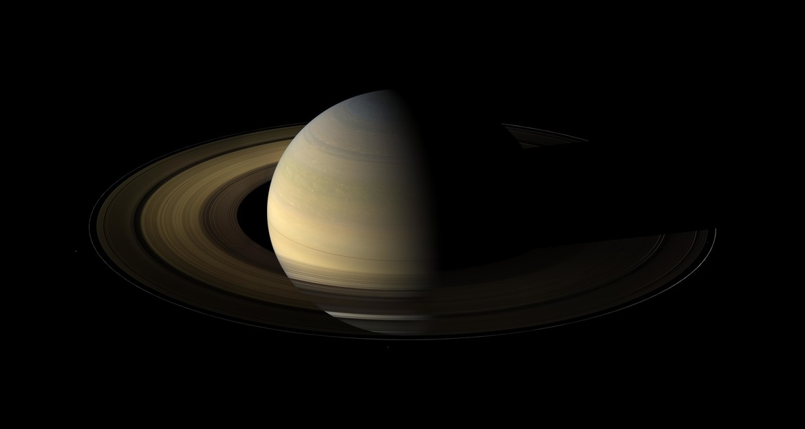 Saturn at the equinox in 2009. Credit: NASA/JPL/Space Science Institute