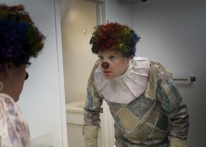clown-movie-review-image-6.jpg