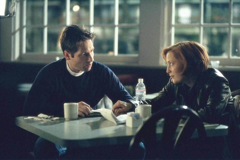 The X-Files S7 episode Closure