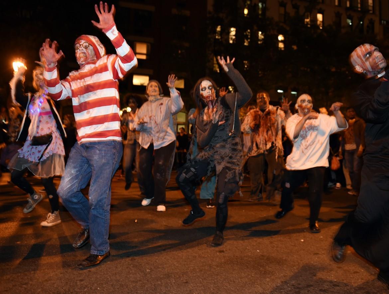 zombies dancing