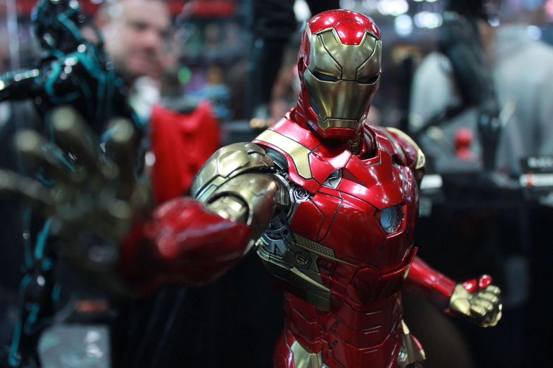 hot toys marvel studios iron man concept figure