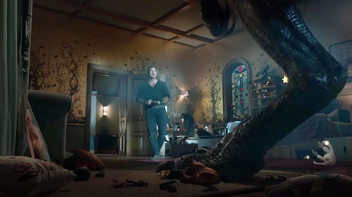 Jurassic World Fallen Kingdom Chris Pratt vs Indoraptor bedroom hero