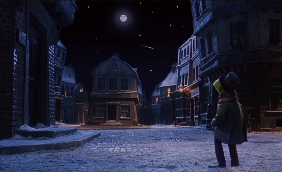 Ghost Of Christmas Future Muppets.Deja View The Muppet Christmas Carol Syfy Wire