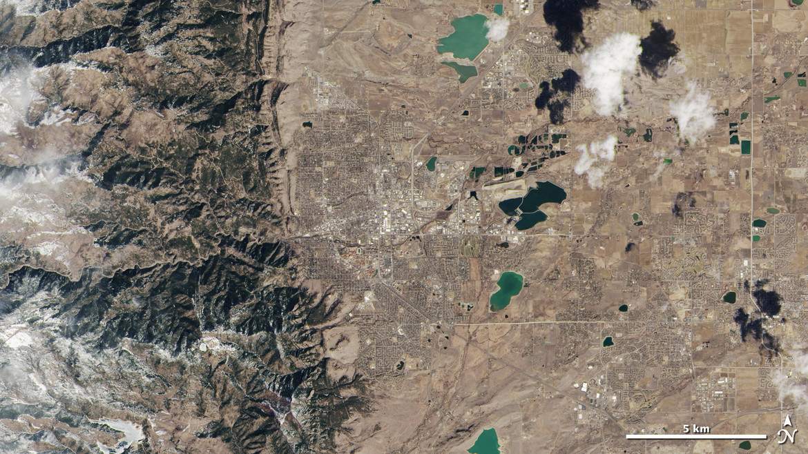 Where the ancient seadbed meets the ancient mountains: Boulder, Colorado from space. Credit:USGS/NASA Earth Observatory