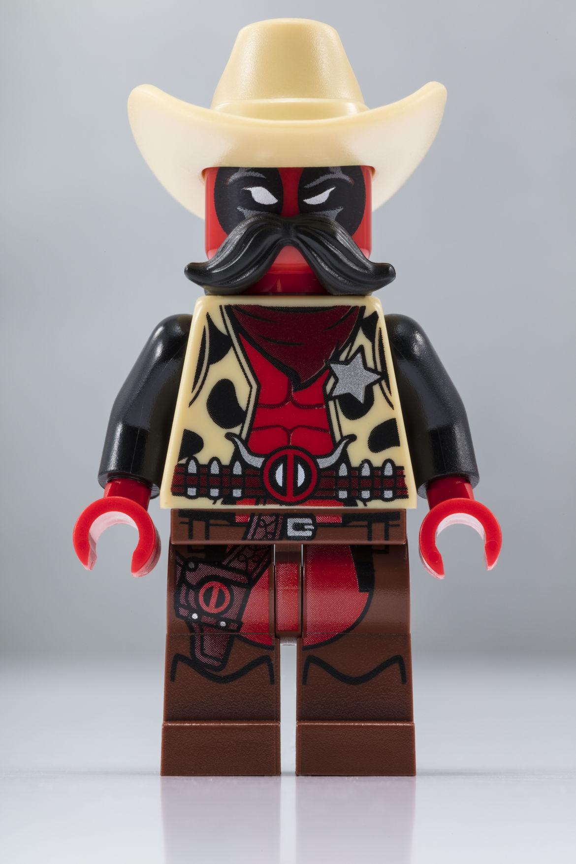 LEGO_SDCC_2018_Sheriff_Deadpool