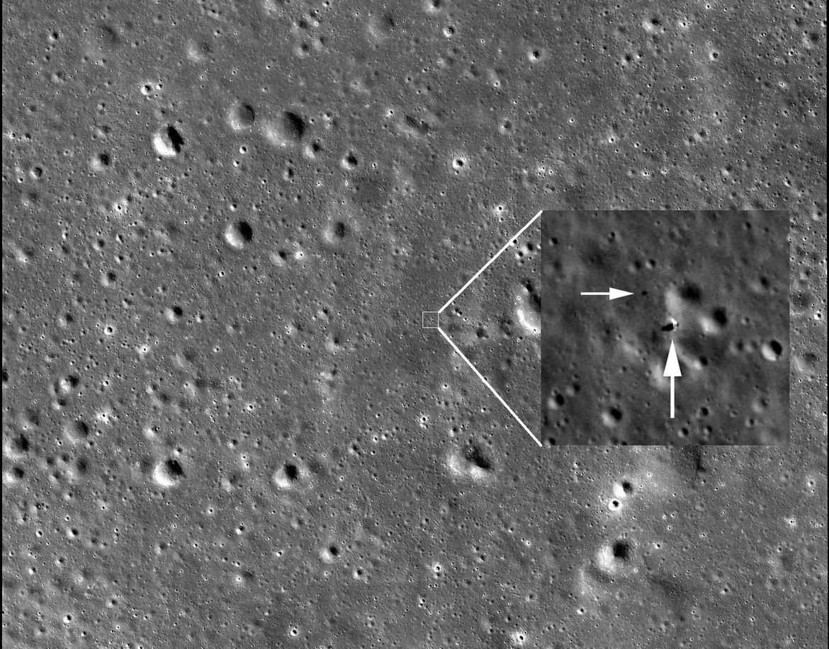 Context image showing the Chinese lander and rover Chang'e-4 and Yutu-2 on the lunar surface. Credit: NASA/GSFC/Arizona State University