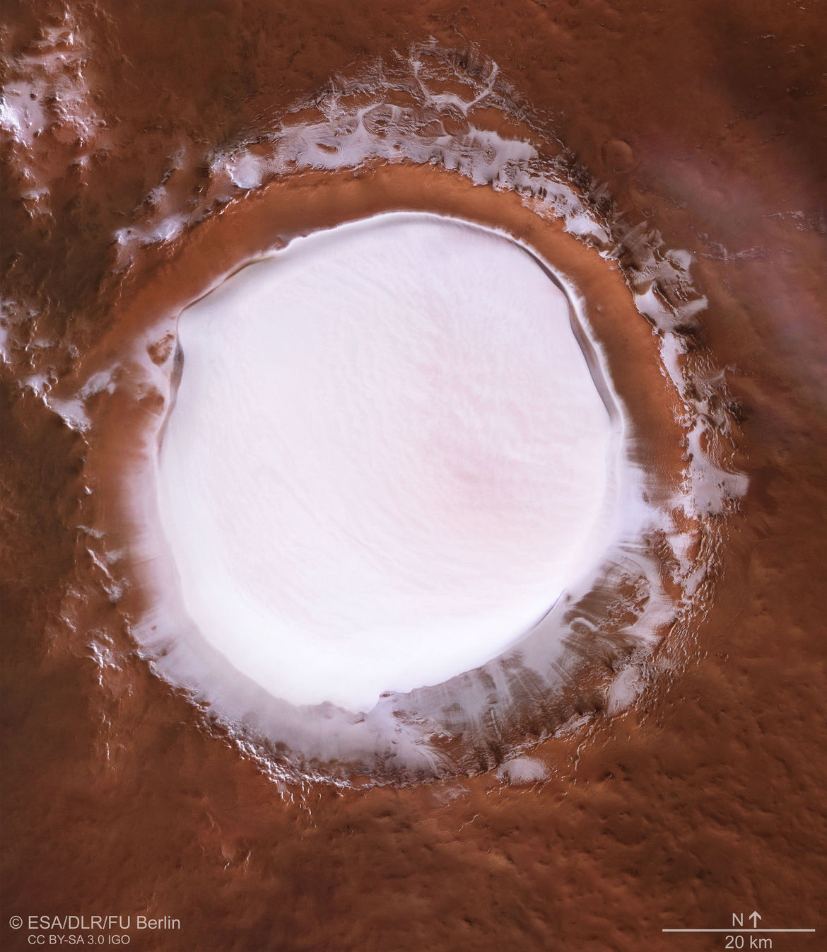 Korolev crater, an 80-km wide impact feature on Mars, is filled with water ice. Credit: ESA/DLR/FU Berlin, CC BY-SA 3.0 IGO