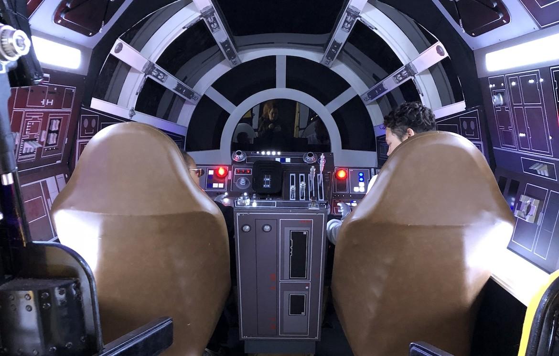 millennium-falcon-experience-cockpit.jpeg