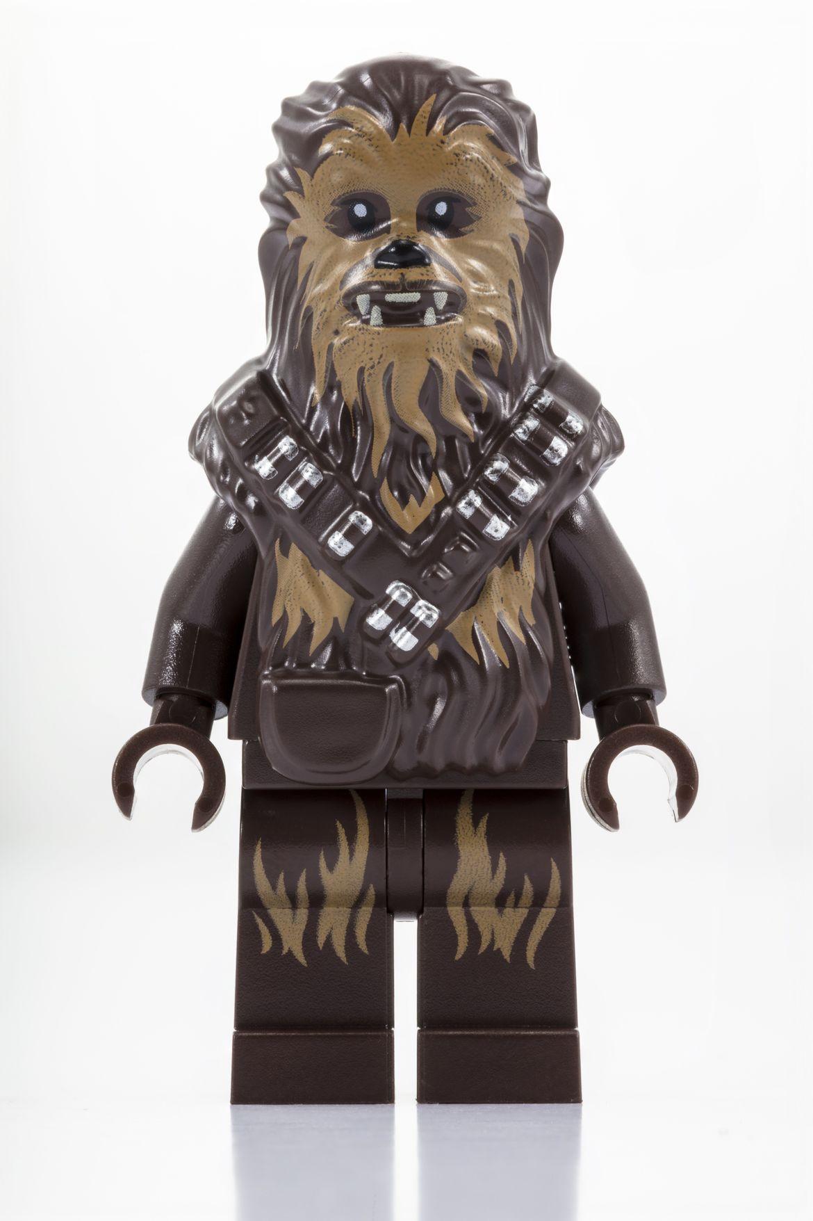 Millennium Falcon Cockpit_LEGO_SDCC_2018_Chewbacca