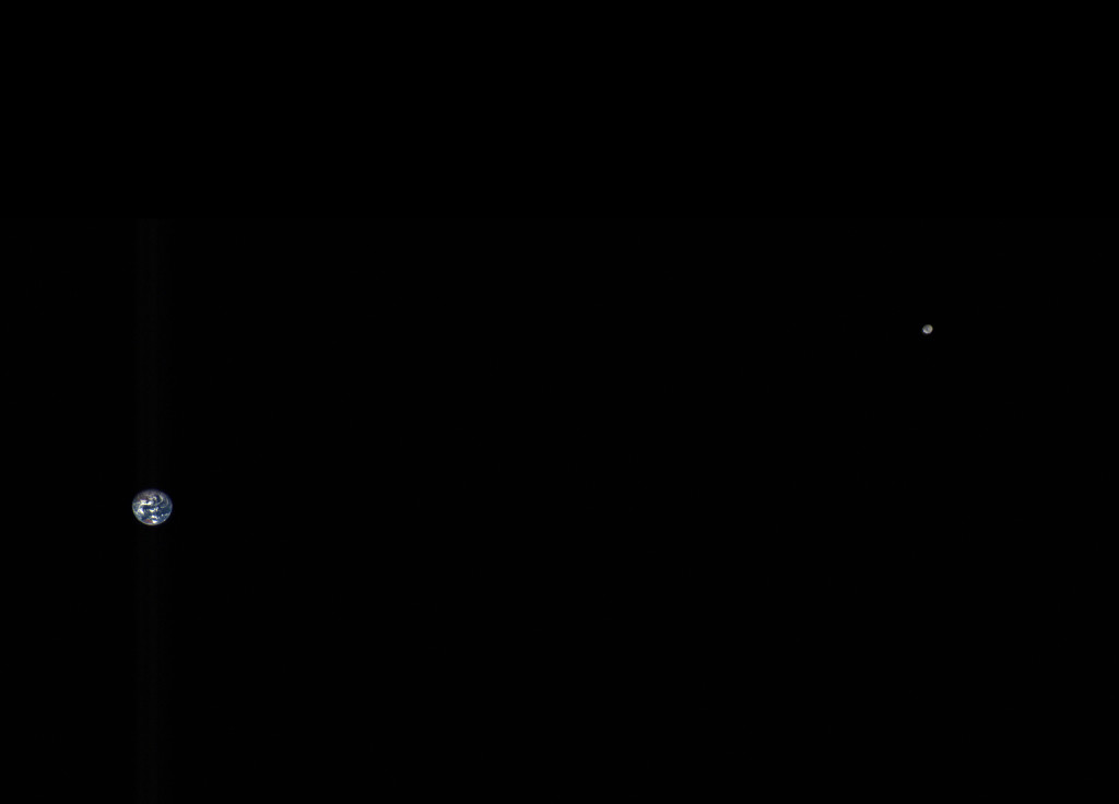 OSIRIS-REx's view of the Earth and moon from over 5 million km away. Credit: NASA/Goddard/University of Arizona