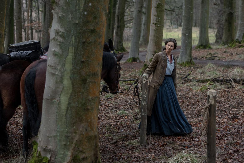 Outlander 406, Claire