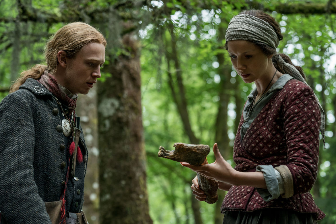 Outlander 411, Claire and Ian