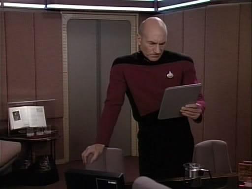 Picard Padd Star Trek.jpg