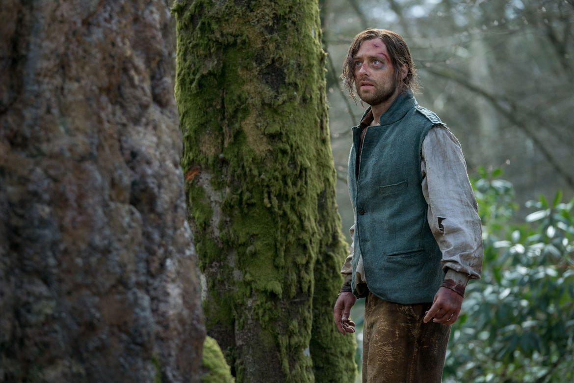 Richard Rankin (Roger Wakefield) - Outlander Episode 410