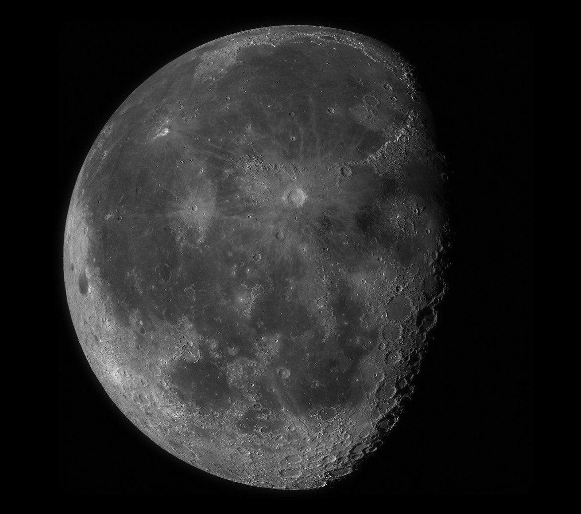 The gibbous Moon; a mosaic composed of many sub-images from the Lunar Reconnaissance Orbiter. Credit: NASA/GSFC/Arizona State University / Seán Doran