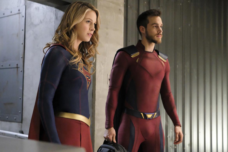Supergirl episode 318 - Supergirl and Mon-El