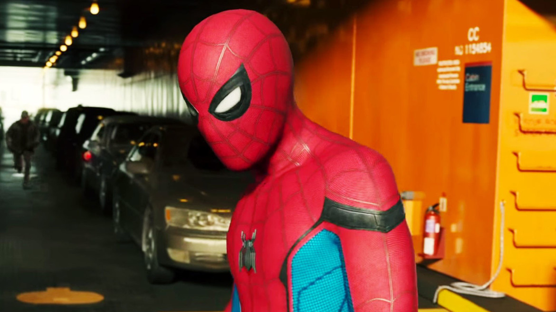 spider-man-homecoming-ferry-peter.jpg