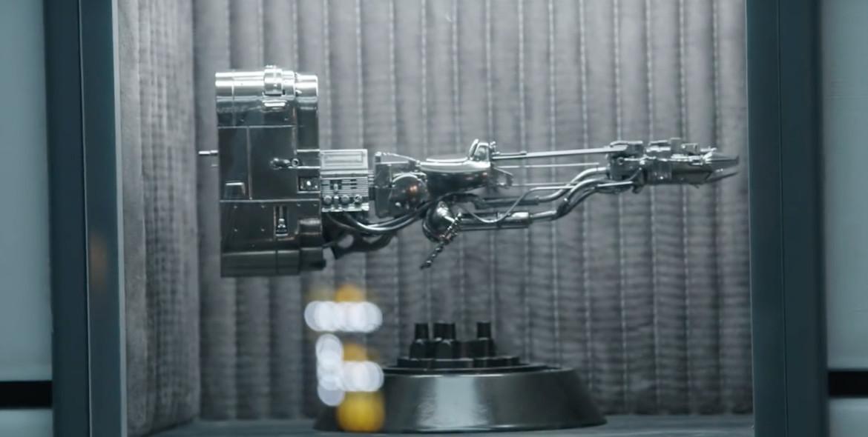 The Star Wars Show- Solo Falcon Interior, podracer statue