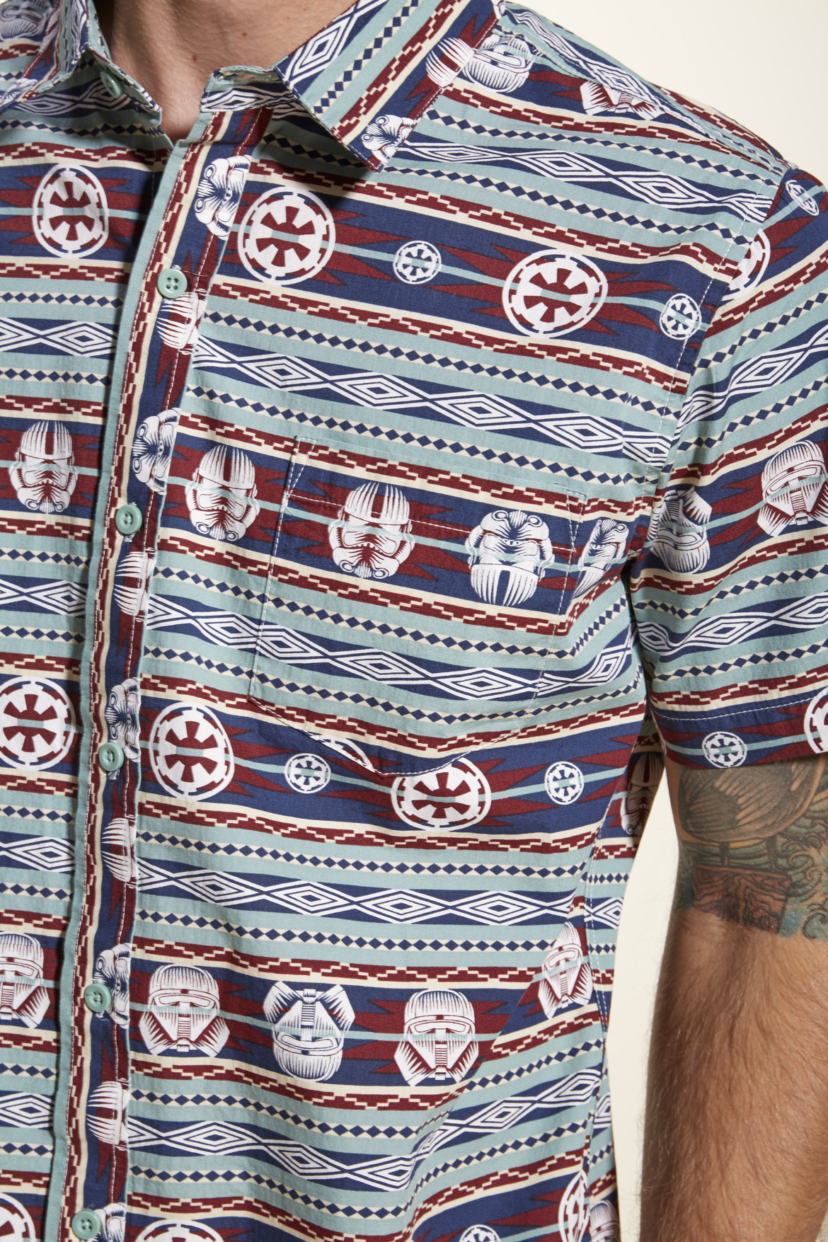 star_wars_solo_pattern_button-up_detail.jpg